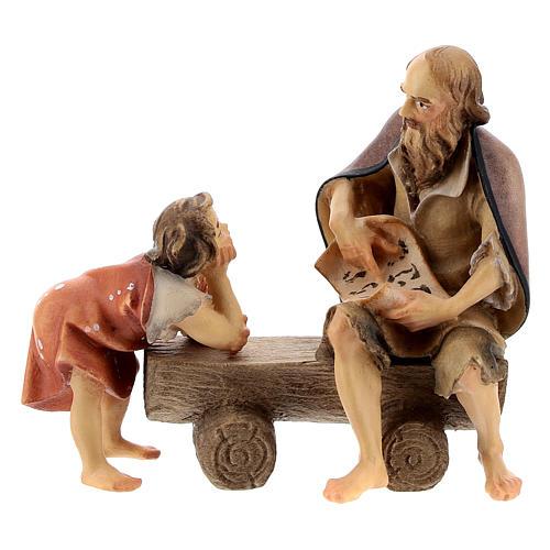 Anciano en un banco con niño belén Original madera pintada en Val Gardena 10 cm de altura media 1