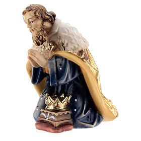 Rey de rodillas madera pintada belén Kostner 12 cm s3