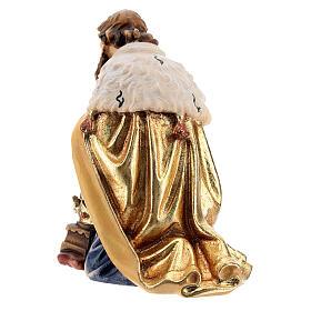 Rey de rodillas madera pintada belén Kostner 12 cm s4