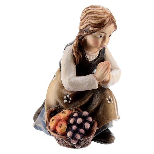 Kneeling girl in painted wood for Kostner Nativity Scene 12 cm 2