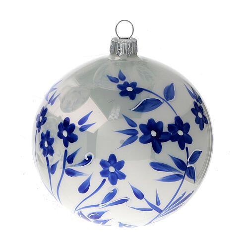 Pallina Natale bianca fiori blu stilizzati vetro soffiato 100 mm 4 pz 2