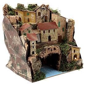 Borgo case lontananza illuminate fiume sotterraneo presepe 25x25x20 cm s3