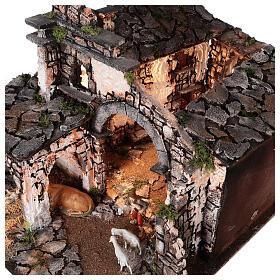 Aldeia medieval com espelho e figuras altura média 12 cm; medidas: 56x77x48 cm s8