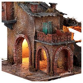 Aldeia em miniatura estilo '700 com fontanário para presépio napolitano com figuras de altura média 8 cm, medidas: 40x42x32 cm s2