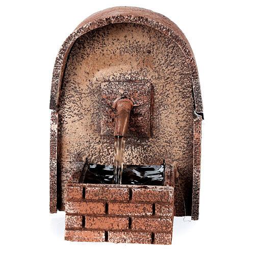 Fonte de água com cobertura em arco miniatura cortiça para presépio com figuras de altura média 8-10 cm, medidas: 14x10x11,5 cm 1