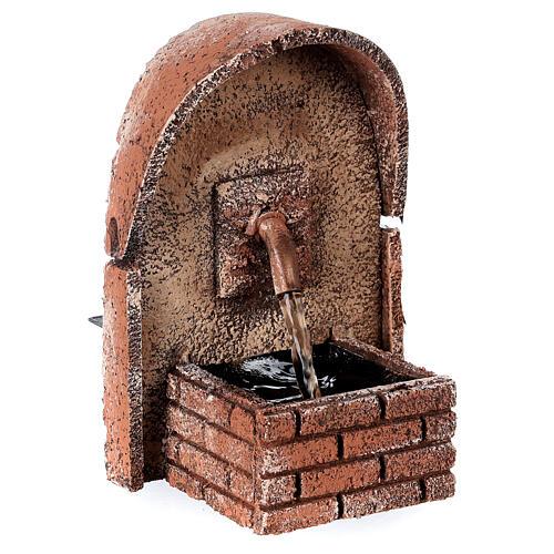 Fonte de água com cobertura em arco miniatura cortiça para presépio com figuras de altura média 8-10 cm, medidas: 14x10x11,5 cm 2