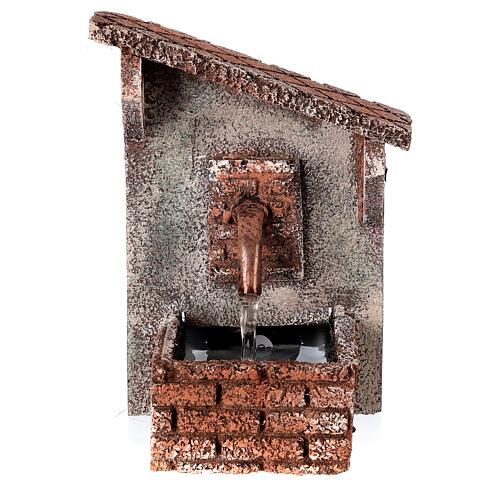 Fontanário funcionante com telhado oblíquo miniatura para presépio napolitano com figuras de altura média 8-10 cm, medidas: 15x9x11,5 cm 1