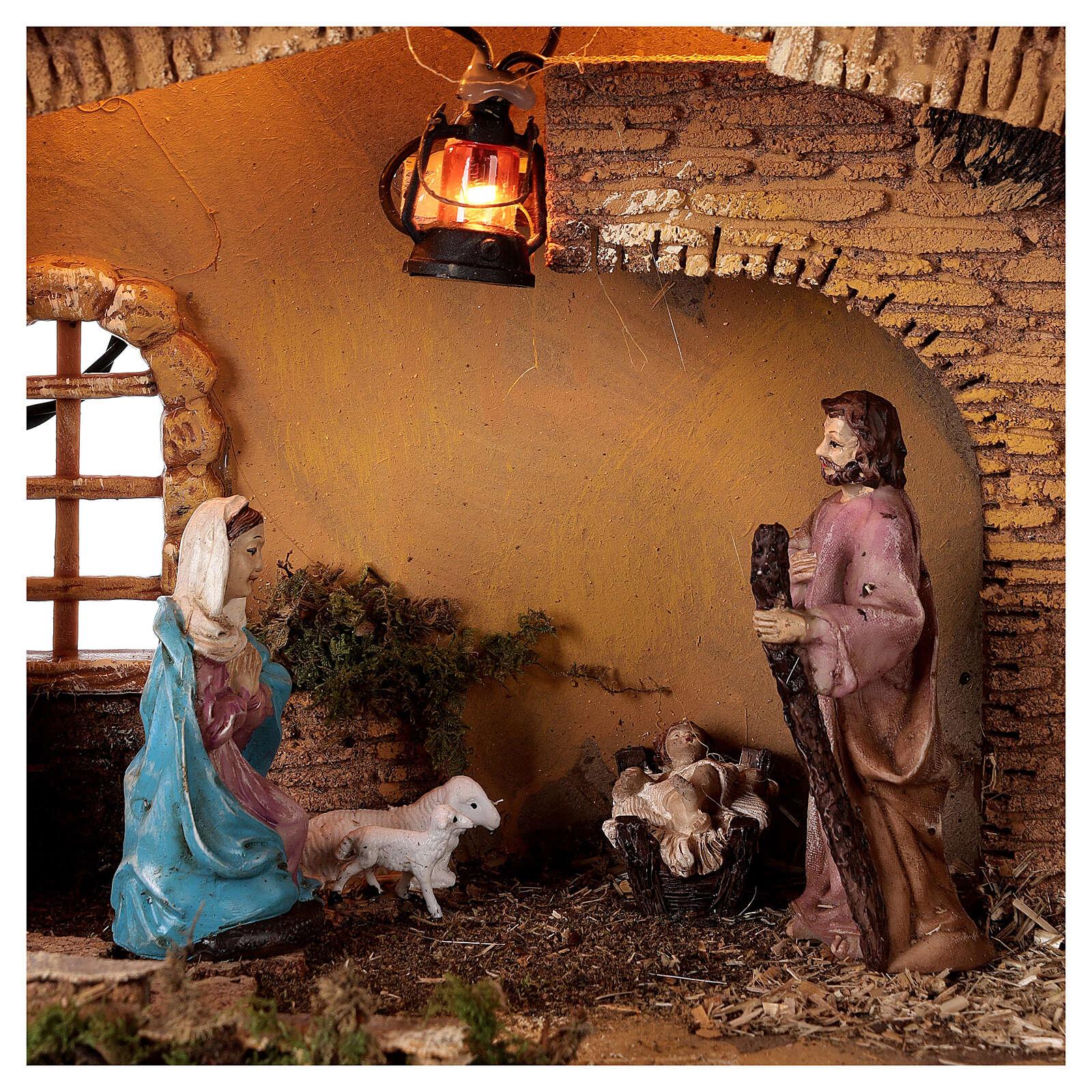 Estábulo com lanterna para presépio com figuras altura média 10 cm; medidas: 25x30x20 cm 4
