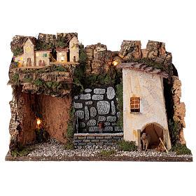 Village avec lumières et fontaine avec pompe 30x45x20 cm pour crèche 10-12 cm s1
