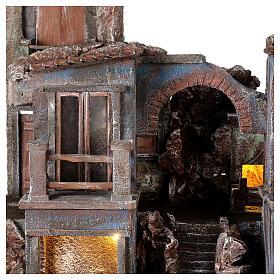 Village crèche éclairé avec arcade et balcons 55x60x45 cm pour santons 12 cm s2