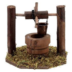 Pozzo carrucola secchio movibile legno scuro presepi 10 cm s4