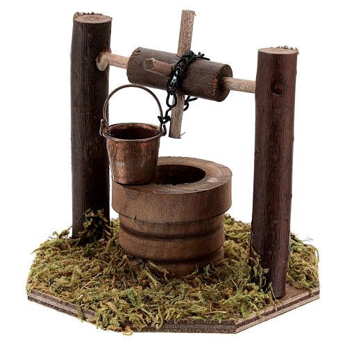Pozzo carrucola secchio movibile legno scuro presepi 10 cm 3