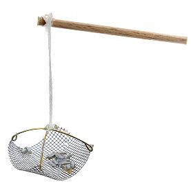 Balance pêcheur avec poissons pour crèche 8-10 cm s2