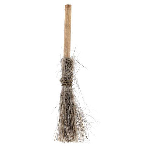 Straw broom h 8 cm for Nativity Scene with 10-12 cm figurines 1