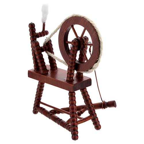 Roda de fiar com lã em miniatura madeira cor mogno para presépio com figuras altura média 10 cm 4