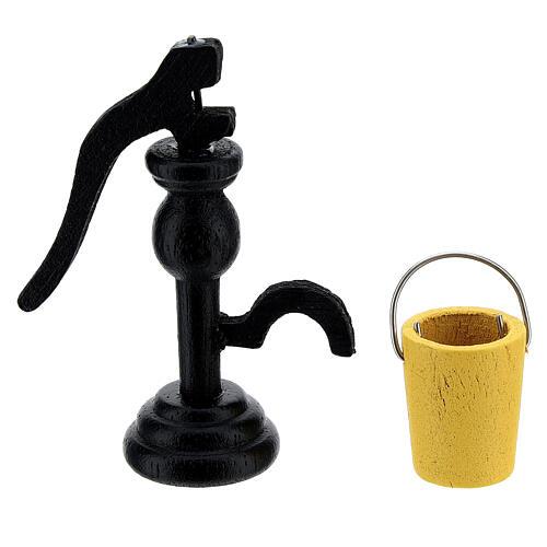 Pompe pour tirer eau avec sceau crèche 8 cm 1