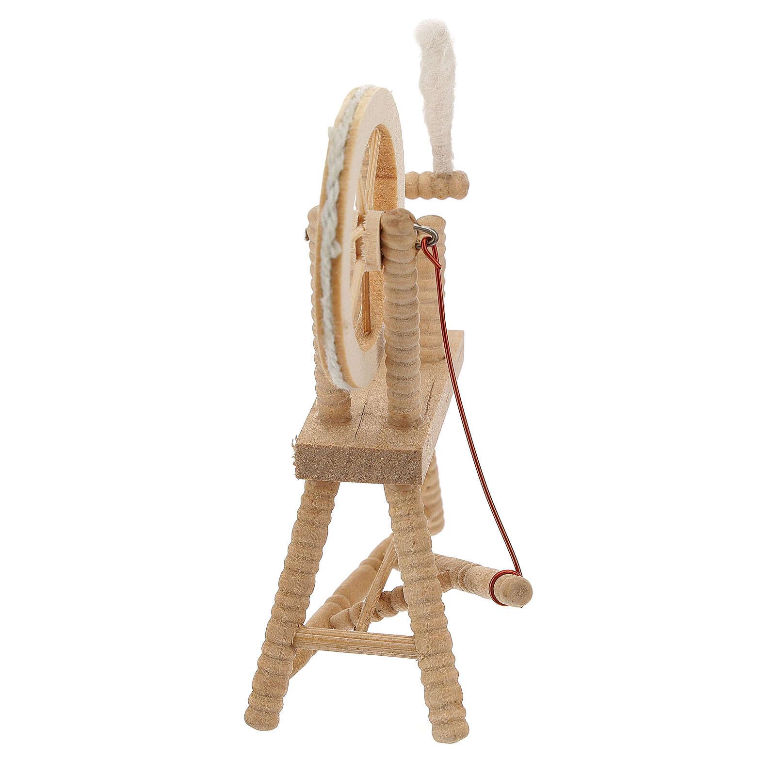 Roda de fiar com lã em miniatura madeira clara para presépio com figuras altura média 12 cm 4
