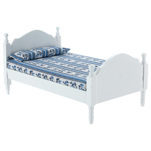 White bed with blanket Nativity scene 16 cm 3