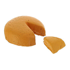 Fromage avec morceau coupé crèche 8-10 cm s1
