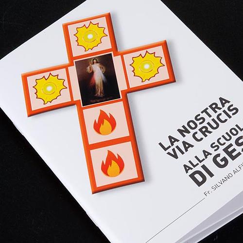 Kreuzweg Jesus Barmherzigkeit mit Buch und Kreuz 5