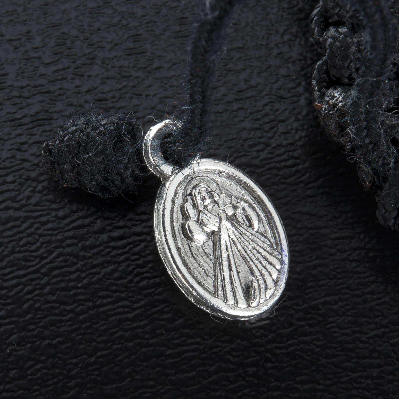 Bracelet dizainier sur corde et médailles coeur 4