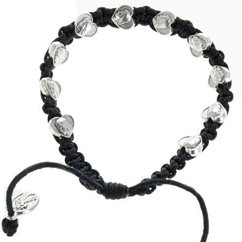 Bracelet dizainier sur corde et médailles coeur 1