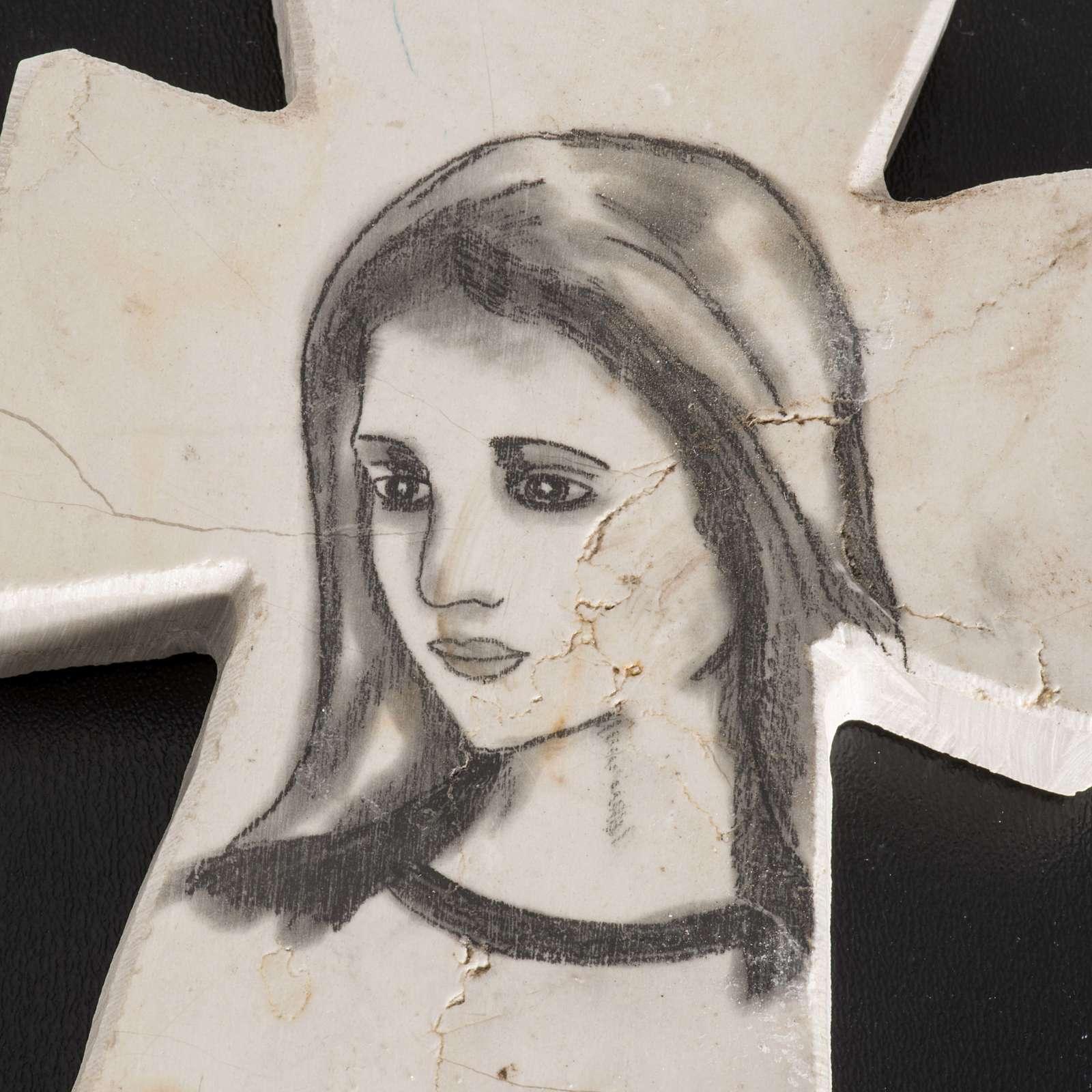 Cruz piedra con cara de la Virgen 4