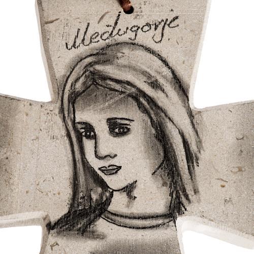 Croix pierre visage Vierge Marie et église Medjugorje 2