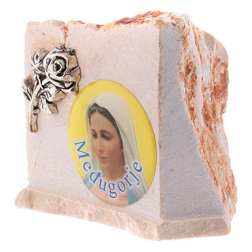 Image de la Vierge de Medjugorje sur pierre 4