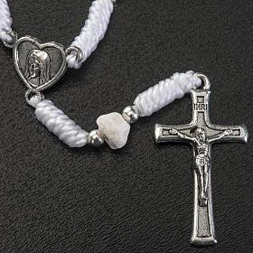 Dezena Medjugorje pedra fio branco medalha coração s2