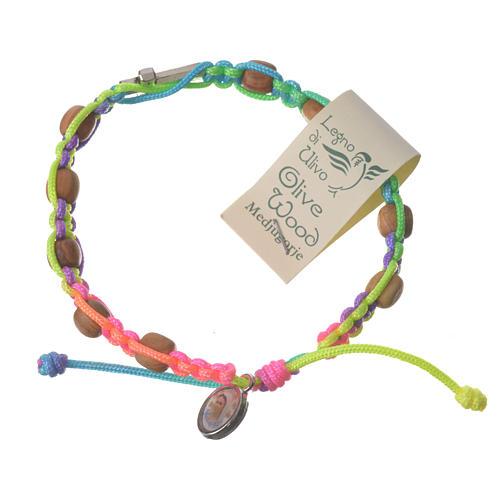 Bransoleta Medjugorje sznurek różnokolorowy koraliki drewno oliwne 1