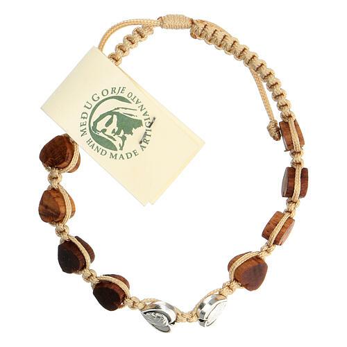 Bracelet Medjugorje corde beige grains olivier coeur 1