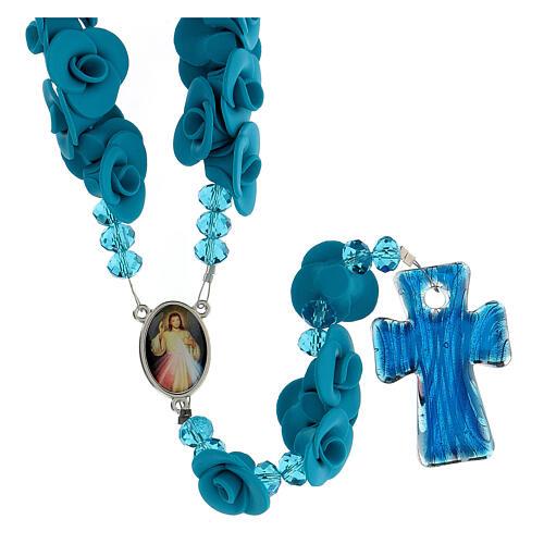 Rosenkranz Medjugorje hellblaue Rosen und Glas Kreuz 2