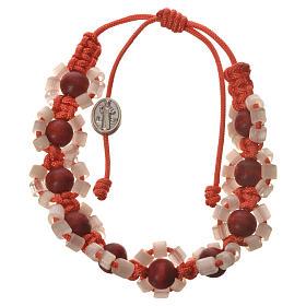 Bracelets, dizainiers: Bracelet Medjugorje fimo fleurs corde orange