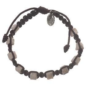 Bransoleta dziesiątka Medziugorie brązowy sznurek i kamień s1