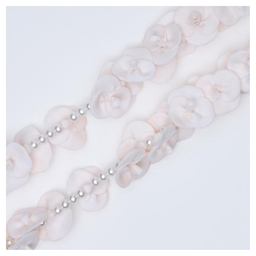 Headboard Medjugorje rosary with white roses 3