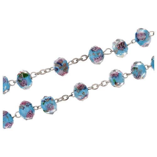Rosario Medjugorje cruz vidrio Murano azul y rosas 3