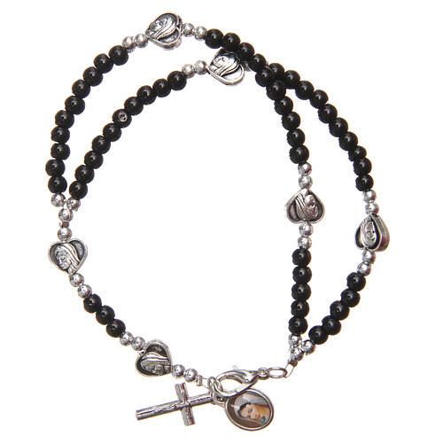 Braccialetto apri chiudi perline nere Madonna Medjugorje 1