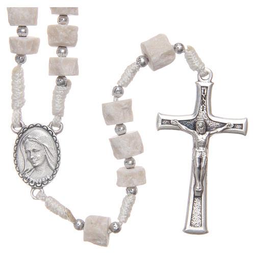 Rosario piedra blanca Medjugorje con cuerda blanca 1