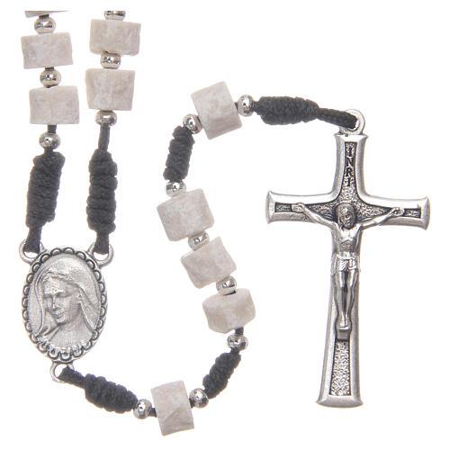 Rosario pietra bianca di Medjugorje con corda nera 1