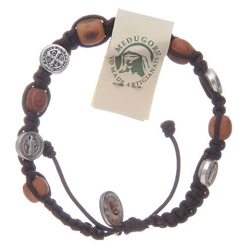 Bracelet bois d'olivier croix Saint Benoît corde marron 1