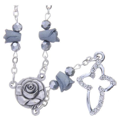 Collier chapelet Medjugorje roses céramique grises grains cristal 1