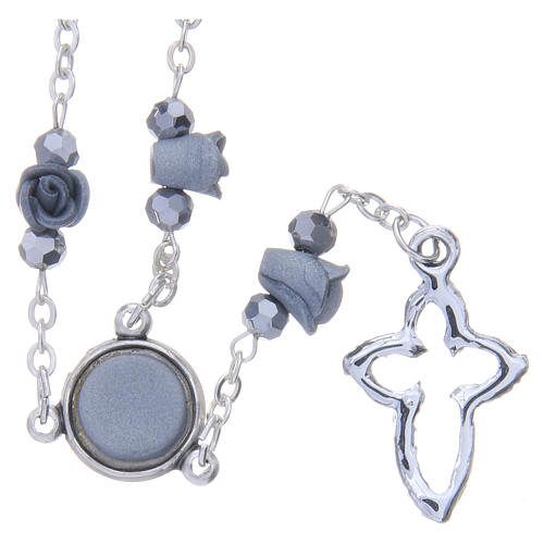 Collier chapelet Medjugorje roses céramique grises grains cristal 2