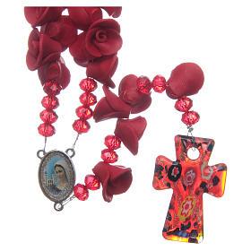 Rosario con roselline in ceramica di colore rosso s1