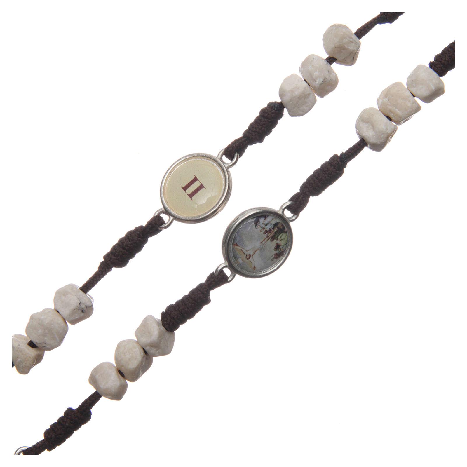 Rosenkranz aus Medjugorje, Perlen aus Stein auf brauner Kordel 4