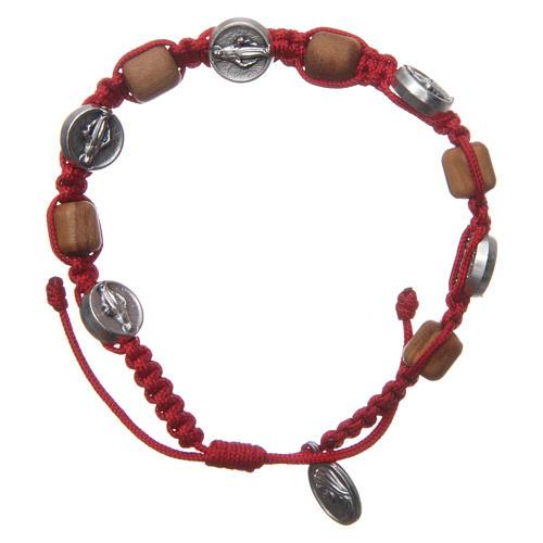 Braccialetto legno ulivo croce San Benedetto corda rossa 1