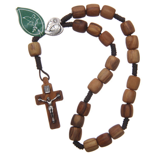 Medjugorje rosary beads with olive wood grains 3