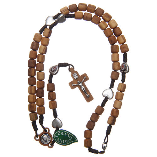 Rosenkranzkette aus Medjugorje, mit Olivenholzperlen und Metallherzen auf brauner Kordel 4