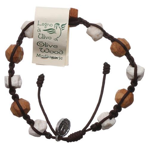 Pulsera Medjugorje decena Tau olivo y piedras blancas cuerda marrón 2