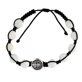 Bracelet corde 10 perles pierre polie médaille Medjugorje s1